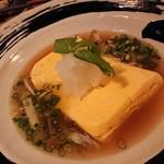izakaya くら田 - 地鶏だしの出巻き卵 (690円)