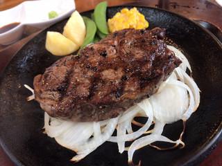 アメリカ屋 - リブロースステーキ 200g(¥2,890)