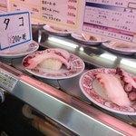 市場寿し - 料理写真:デカっ!タコ