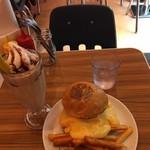 BURGER&MILKSHAKE CRANE - スーパーチーズバーガー+バナナチョコレートシェイク