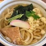 うどん市 - 澄んだ色のスープ