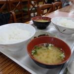 千本松牧場 - ご飯とみそ汁