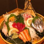 海鮮居酒屋 若大将 - 料理写真:お造り6点盛り