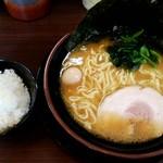 頂キ家 - 料理写真:醤油豚骨
