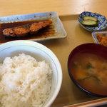 あぶずり食堂 - 煮魚定食  (カンパチ)