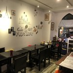 Cafe BAR MOKUBA - 店内のテーブル席