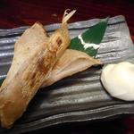 囲炉裏焼と蕎麦の店 うえ田 - エイヒレ炙り焼き750円