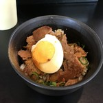 麺家 八兵衛 - チャーシュー丼
