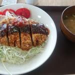 道の駅世羅 - 六穀豚のデミトマカツ丼900円