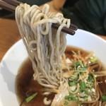 煮干中華 ゆきと花 - 煮干中華 醤油の麺