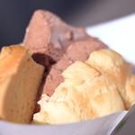 世界で2番めにおいしい焼きたてメロンパンアイス - メロンパンアイス、チョコ