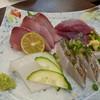 旬魚菜 しら川 - 料理写真:刺身盛合わせ(わらさ・ソウダカツオ・スミイカ・炙り太刀魚)