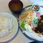 レストラン・カフェ クイーン - ハンバーグ定食