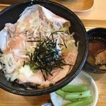 たっぽ家 - 妻有ポーク塩糀ロースト丼 1200円