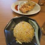 横浜家系ラーメン 町田商店 - 炒飯はしっとり系