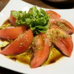 ヒヨク之トリ - トマトのサラダ