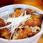 十勝豚丼 いっぴん - タレと肉が白飯にピッタリ。