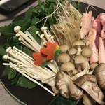 酒菜や凛 - せり鍋