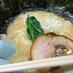 らーめん おおはし - あれ?炊いてるけど、かなり白いスープ!(((*≧艸≦)ププッ