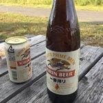 94544285 - 瓶ビール 550円、缶ビール 350円。