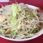 ラーメン二郎 - 料理写真:【再訪】小豚(豚5枚)野菜,ニンニク,アブラ