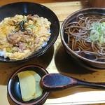 あずまや心菜 - あんかけ親子丼とミニそば(そばは大盛に)1,050円大盛プラス100円