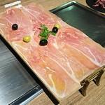鉄板とワイン BUNCH -
