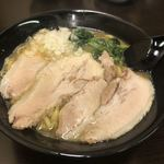 麺酒処 泉屋商店 - 料理写真: