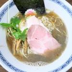 中華そば まゑだ - 料理写真:中華そば(醤油)