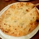 武蔵小杉バール・デルソーレ - バール・デルソーレ@武蔵小杉 4種のチーズピザ