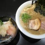 超純水採麺 天国屋 - 2018/10/14限定・豚骨正油ラーメン(800円)+4種の鮮魚丼(500円)