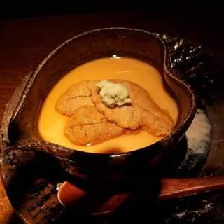 大どころ - 唐津産の赤雲丹の茶碗蒸し。絶品過ぎる。赤雲丹も初めましての味覚。