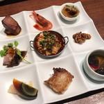 中国名菜 來杏 - ロースト叉焼、酔っ払い甘海老、フカヒレの刺身、豚のタンとハチノス、よだれ鶏、胡桃、ピータン、大根もち、トリュフとフォアグラ前菜盛合せ