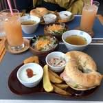ロール ベーグル&カフェ - 料理写真:ベーグルプレートセット(950円)