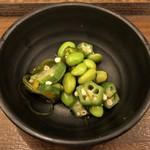 築地食堂源ちゃん - 小鉢:枝豆・オクラ・切昆布の和えもの