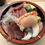 あられ寿司 - 料理写真:「ちらし」780円