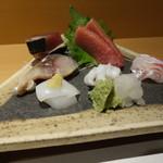 一丁田 - 料理写真:刺身盛り一人前