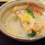 白 - 大和肉鶏の水炊き