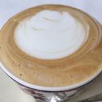 94577334 - カフェ・ラテ(810円 税込)評価=△ ミルクの泡がフワフワです。