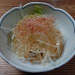 骨付鳥 蘭丸 - 玉葱スライス