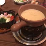 94580597 - 【野菜チーズフォンデュ/ベーコン&鶏肉】(1950円)