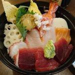 川徳 - 海鮮丼