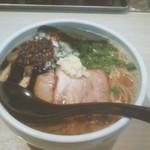 94587515 - 麺屋 海猫 辛い白湯醤油
