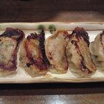 チャイナ食堂 ラ・ペーラ - 小龍包風焼き餃子