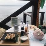 AKIYA Beach House -
