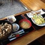 94601037 - イワナ炭火焼きと野菜天ぷら、豚丼