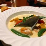 トロピカルコースト - 魚介のクリーム煮