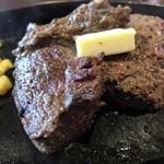 94605064 - Texasステーキ  150g  肉のアップ