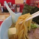 ラーメン山岡家 - 味噌バターラーメン、朝ラーメン以外は太麺です