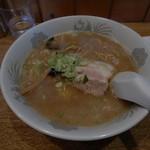 喰い呑み座 新山 - 料理写真:醤油ラ~メン 500円